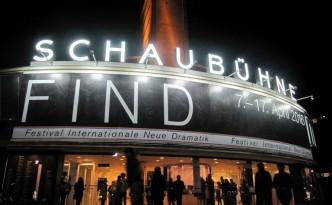 FIND 2016: Abendmahl als Sittenstudie. FIND 2016 an der Schaubühne. Copyright: Kulturschoxx/SusanneGietl